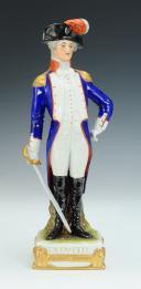 LAFAYETTE GÉNÉRAL, RÉVOLUTION : figurine en porcelaine de Courille à Paris, XXème siècle.