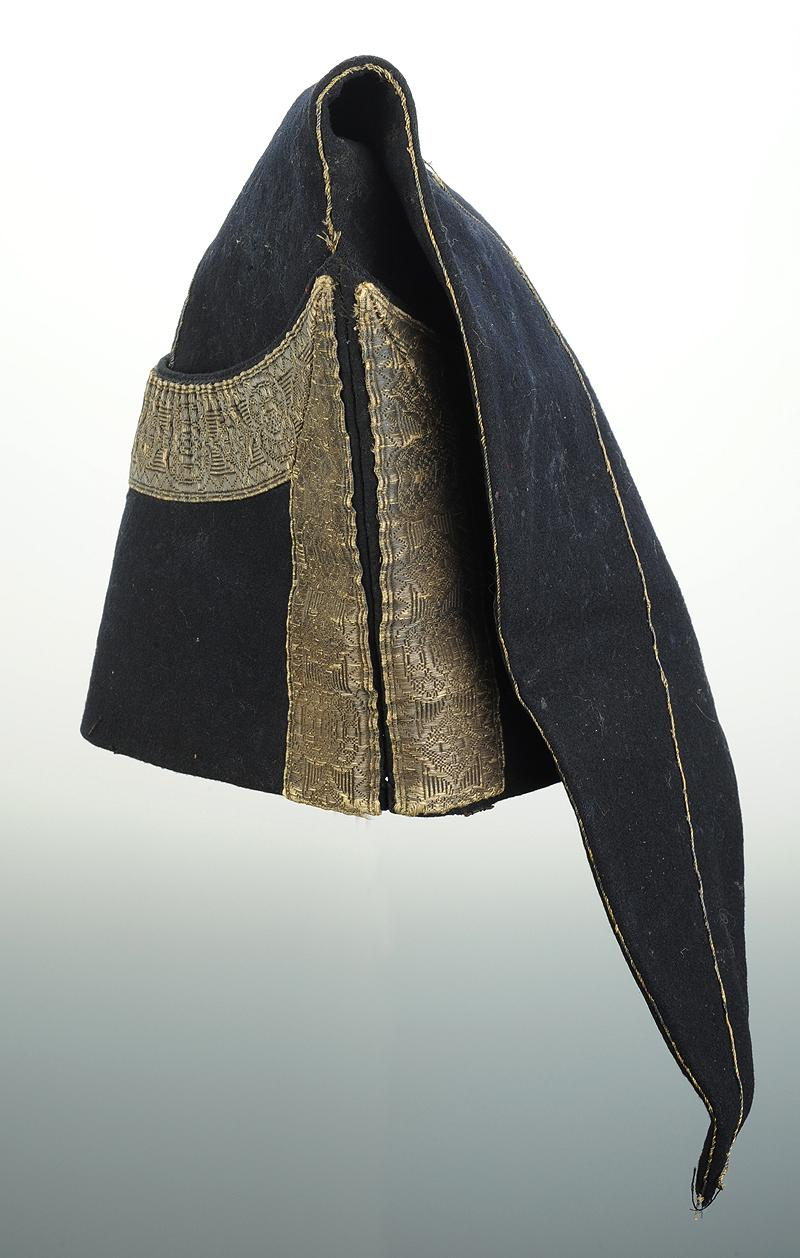bonnet de police de petite tenue de gardes du corps de la maison militaire du roi mod le 1820. Black Bedroom Furniture Sets. Home Design Ideas