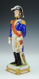 Photo 2 : BERTRAND, GÉNÉRAL D'EMPIRE, FIGURINE EN PORCELAINE DE COURILLE À PARIS, 20ème SIÈCLE.