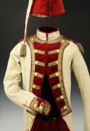 UNIFORME ET BONNET DE POLICE DE CAPITAINE EN SECOND DE COLONEL GÉNÉRAL, RÈGLEMENT DE 1786, ANCIENNE MONARCHIE, RÈGNE DE LOUIS XVI, VERS 1786-1789. (3)