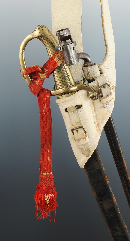 Placer la dragonne sur le sabre briquet Baudrier-sabre-briquet-avec-dragonne-et-baionnette-a-douille-premier-empire_1