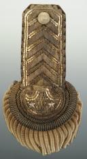 Paire d'épaulettes d'intendant général, modèle 1921, Troisième République, ayant appartenue à Eugène SEURAT. (8)