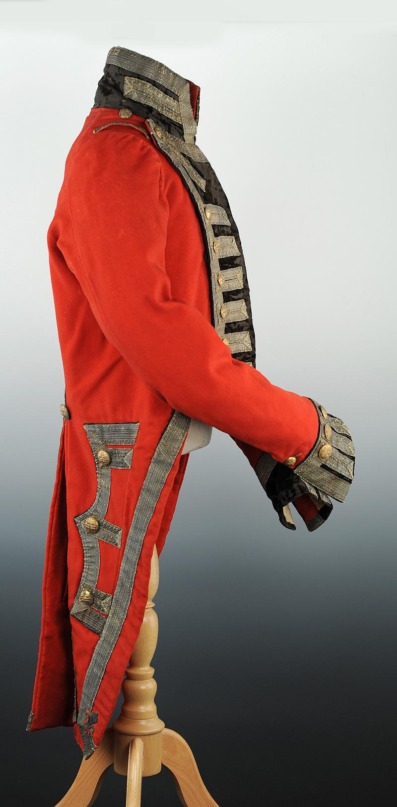 Habit de grand uniforme des gendarmes de la maison for Modele maison