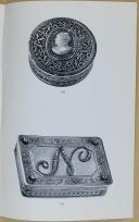 """Photo 4 : """" Importante collection d'ordres de Chevalerie et souvenirs historiques, armes de récompense """" - Hotel Drouot - Lundi 9 mars 1970"""