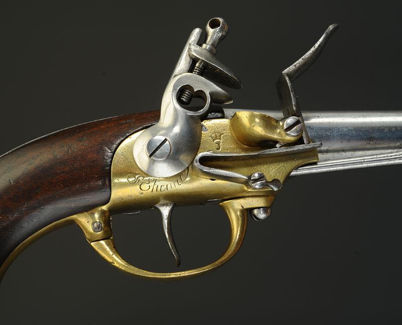 pistolet d 39 ar on mod le 1777 dit coffre deuxi me type ancienne monarchie. Black Bedroom Furniture Sets. Home Design Ideas