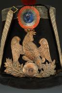 Photo 2 : SHAKO D'OFFICIER DE CHASSEURS DE LA GARDE NATIONALE, modèle 1837, Monarchie de Juillet.