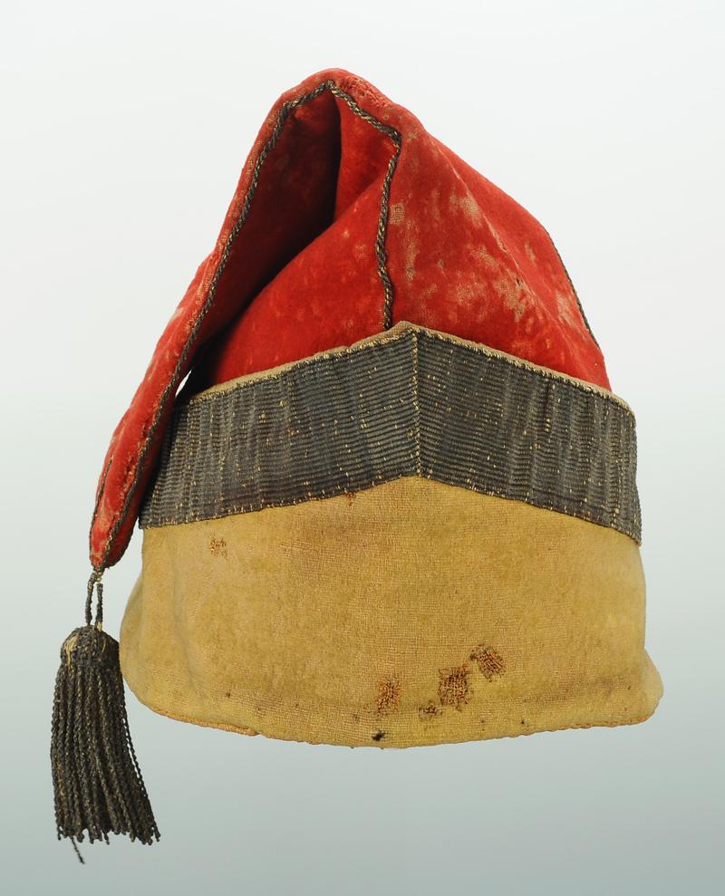 BONNET DE POLICE DE GARDE NATIONAL, RÉVOLUTION, VERS 1789-1792. 9c686bf89de