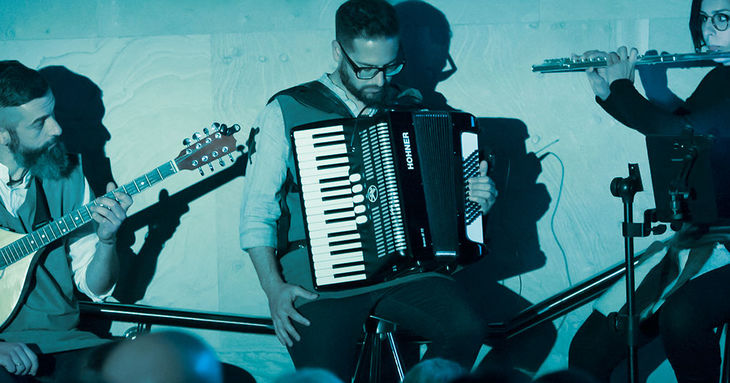 Folk en la Fundación 2019 Ida Susal, Autodate Folk Band, Jeita