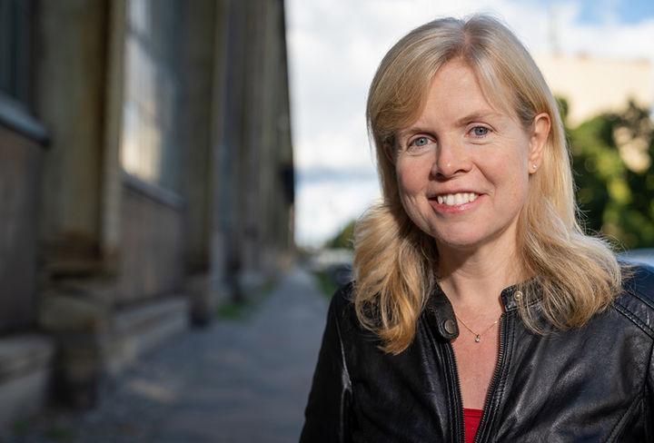 Catherine Larsen-Maguir