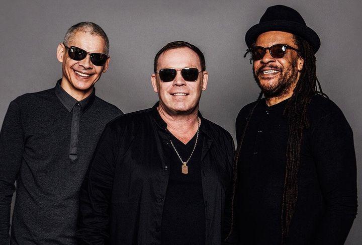 UB40 Ali, Astro y Mickey