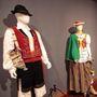 'Prendas, trajes y tipismo'