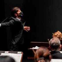 Sinfónica de Tenerife Shostakovich y Elgar Antonio Méndez Auditorio de Tenerife mayo 2021