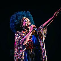 Lucrecia homenajea a Celia Cruz