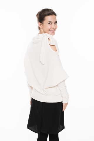 LeMuse Milk&Honey Asymmetric sweater with a bow