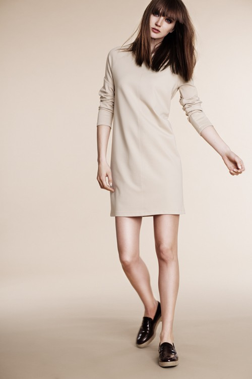 Straight nude dress with front hem