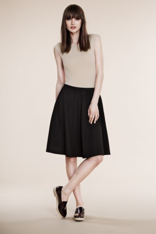 Black full skirt with pockets