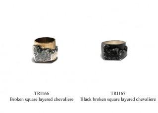 Black broken square layered chevaliere
