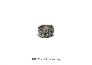 Full ribbon ring