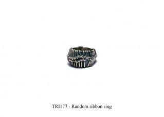 Random ribbon ring