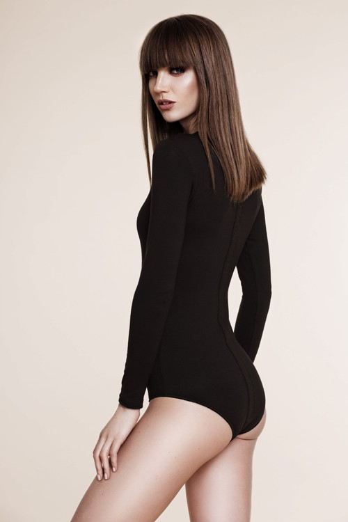 Black bodysuit with application line in the back