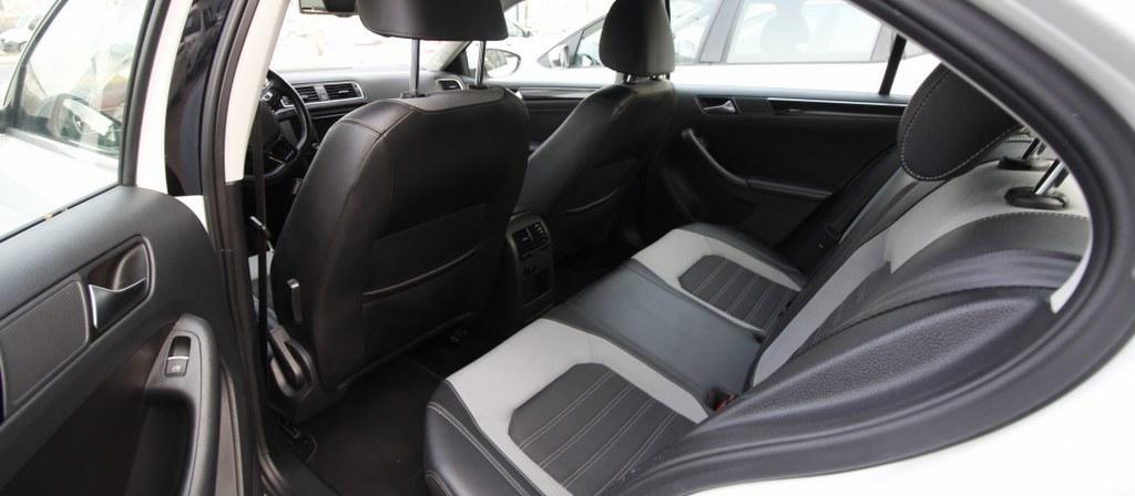 ikinci el araba 2015 Volkswagen Jetta 1.6 TDi Comfortline Dizel Otomatik 176000 KM 4