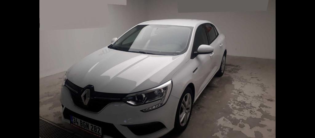 ikinci el araba 2018 Renault Megane 1.6 Joy Benzin Manuel 9600 KM