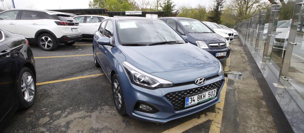 ikinci el araba 2018 Hyundai i20 1.4 MPI Elite Benzin Otomatik 22870 KM