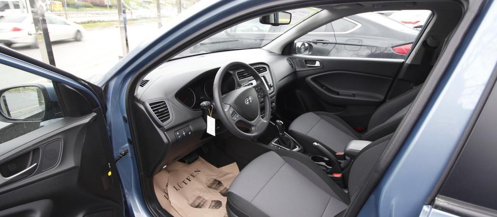 ikinci el araba 2018 Hyundai i20 1.4 MPI Elite Benzin Otomatik 22870 KM 6