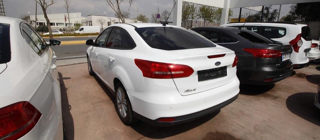 ikinci el araba 2015 Ford Focus 1.6 TDCi Trend X Dizel Manuel 142000 KM 0