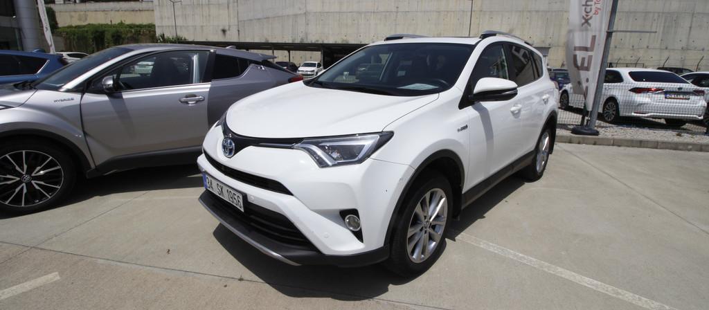 ikinci el araba 2017 Toyota RAV4 2.5 Multidrive S Hybrid Otomatik 49300 KM
