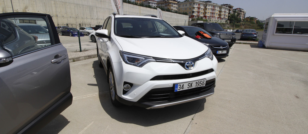 ikinci el araba 2017 Toyota RAV4 2.5 Multidrive S Hybrid Otomatik 49300 KM 6