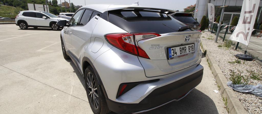 ikinci el araba 2018 Toyota C-HR 1.8 Hybrid Diamond Hybrid Otomatik 17980 KM 4