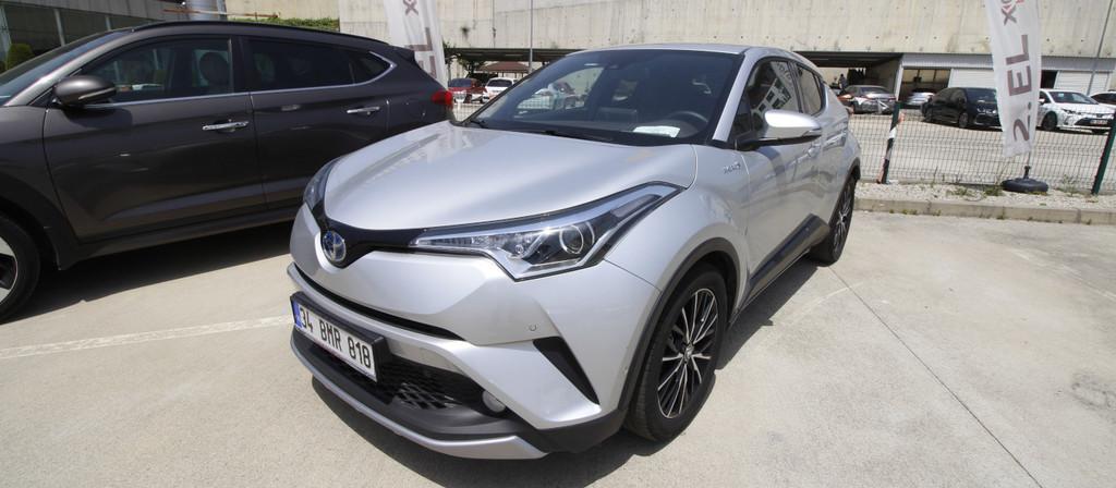 ikinci el araba 2018 Toyota C-HR 1.8 Hybrid Diamond Hybrid Otomatik 17980 KM