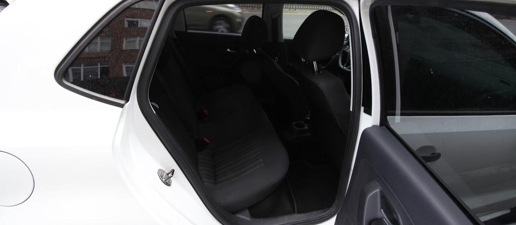 ikinci el araba 2014 Volkswagen Polo 1.4 TDi Trendline Dizel Manuel 183000 KM 3