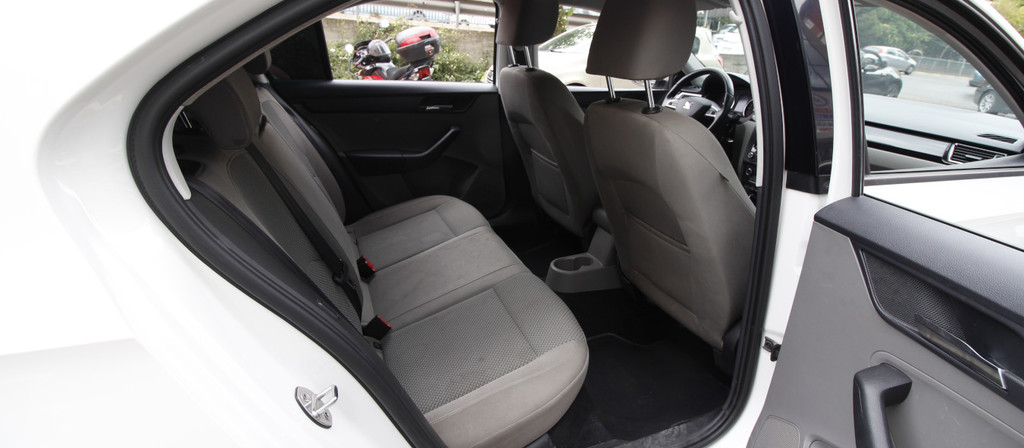 ikinci el araba 2014 Seat Toledo 1.6 TDI Style Dizel Otomatik 89000 KM 3