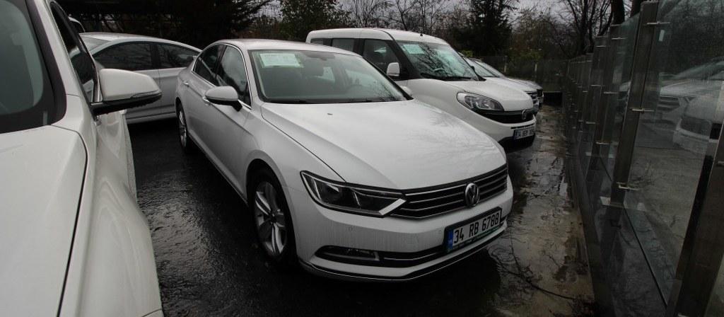 ikinci el araba 2016 Volkswagen Passat 1.6 TDi BlueMotion Comfortline Dizel Otomatik 89420 KM