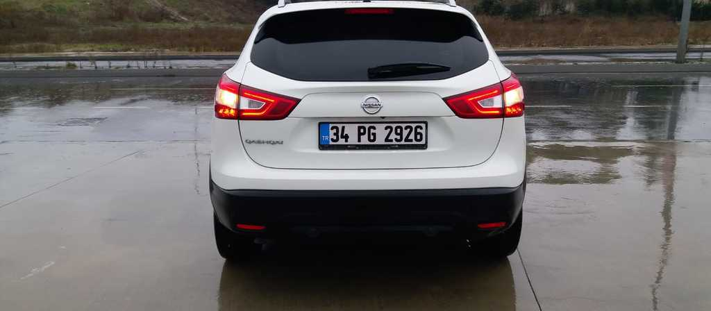 ikinci el araba 2015 Nissan Qashqai 1.6 dCi Platinum Premium Pack Dizel Otomatik 29900 KM 5