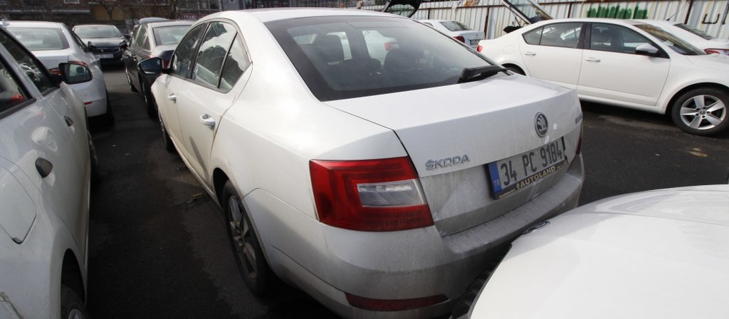 ikinci el araba 2015 Skoda Octavia 1.6 TDI Optimal CR Dizel Otomatik 121500 KM 2