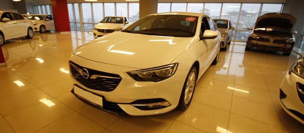 ikinci el araba 2017 Opel Insignia 1.6 CDTI  Grand Sport Design Dizel Otomatik 43000 KM
