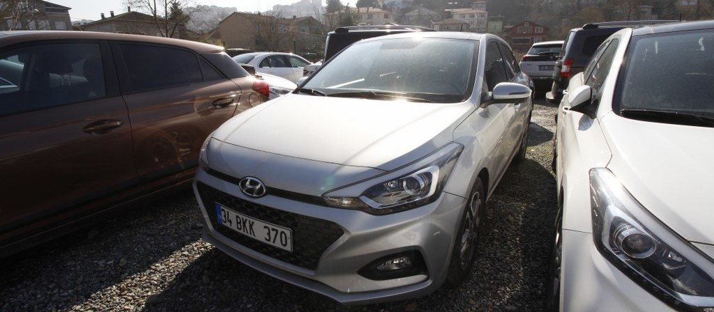 ikinci el araba 2018 Hyundai i20 1.4 MPI Elite Benzin Otomatik 17750 KM