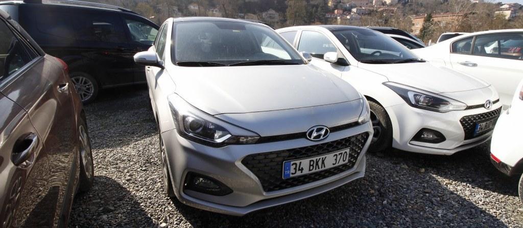 ikinci el araba 2018 Hyundai i20 1.4 MPI Elite Benzin Otomatik 17750 KM 3