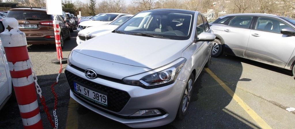 ikinci el araba 2017 Hyundai i20 1.4 MPI Style Benzin Otomatik 56840 KM