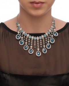 Indian jewellery at Exclusively.in