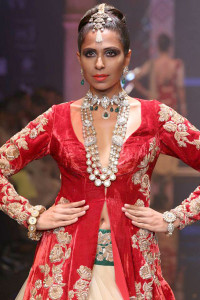 Indian bridal Jewellery at the IIJW