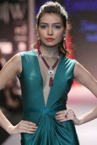 Indian Jewellery at IIJW 14