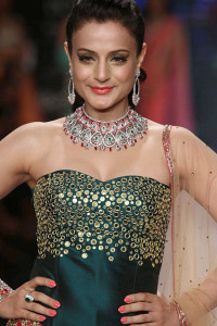 Surya Golds Collection at IIJW | Indian jewellery on the ramp