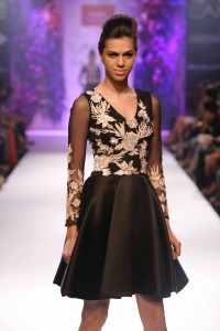 Day 5-Show 5- Reliance Trends presents Varun Bahl - Facebook6