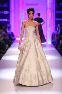 Day 4-Show 6- Himalayan presents Shantanu & Nikhil - Facebook35