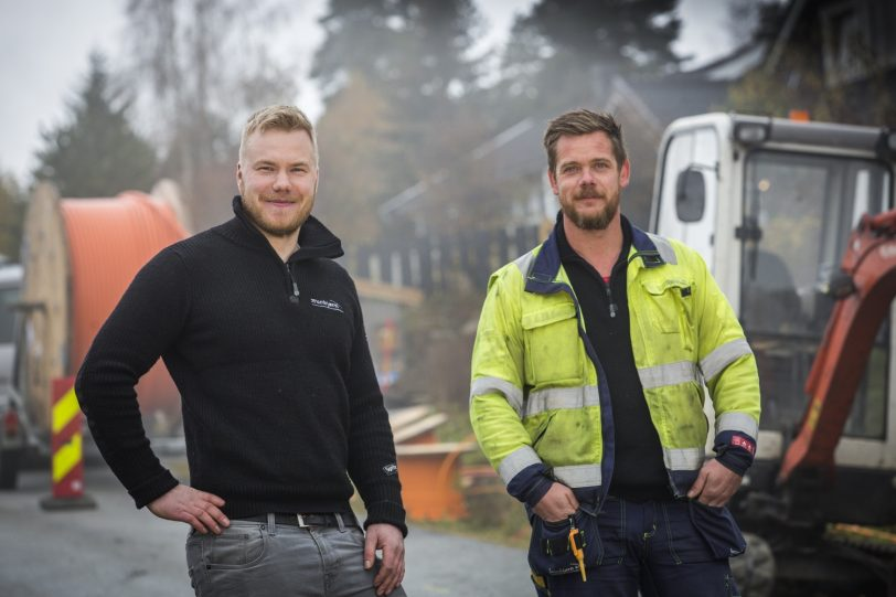 Brunbjorn Simen Grue Og Magne Bjerke