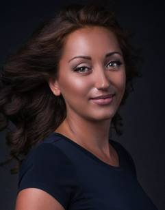 Elena Astra Tarot Falı yorumcusu